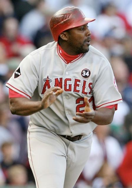 Vladimir Guerrero claps his hands in celebration.JPG