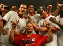 team celebrates clinching playoff spot 2007 b.jpg