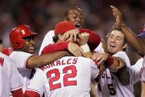 team-celebrate-capt. .indians_angels_baseball_ans115.jpg