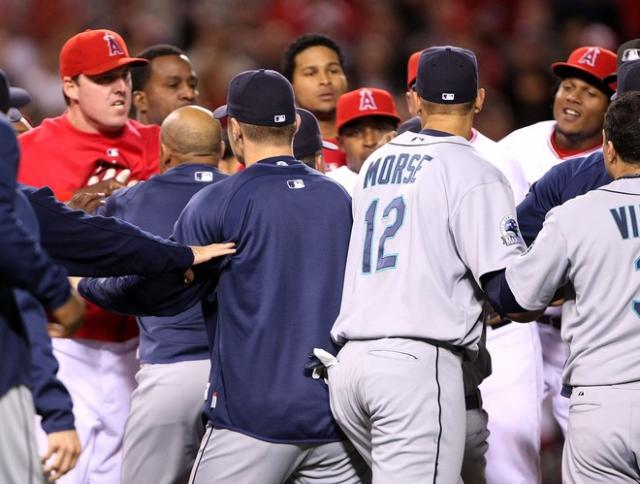 team-confronts mariner-fullj.getty- _seattle_marin.jpg
