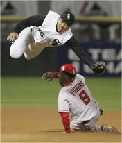 chone tries to break up double play web01.jpg