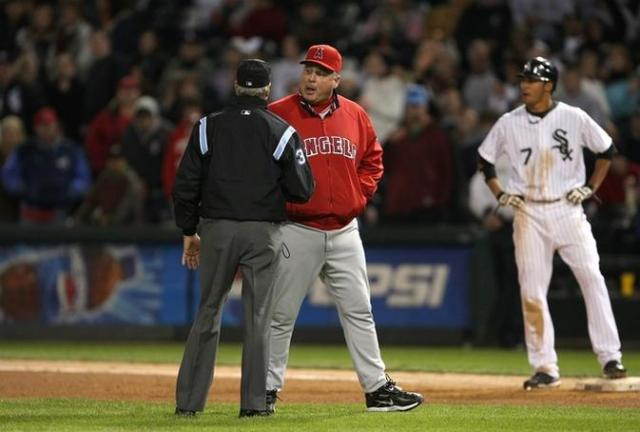 mike scioscia fullj.getty- _los_angeles_a.jpg