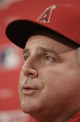 scioscia capt. .angels_red_sox_baseball_bxs107.jpg
