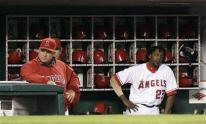mike scioscia capt. .mariners_angels_baseball_ana107.jpg