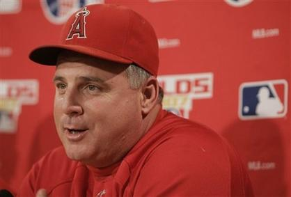 mike scioscia capt. .angels_red_sox_baseball_bxs106.jpg