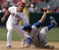 Maicer Izturis tags out Murphy at second base.jpg