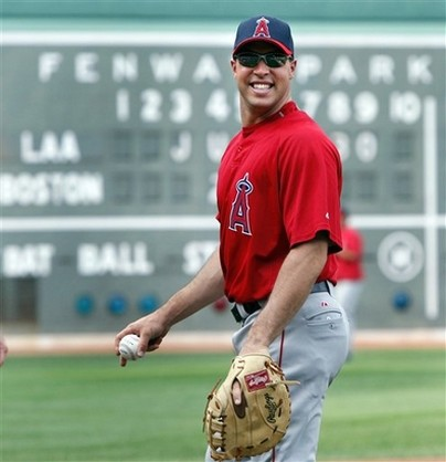 Mark Teixeira smiles as he warms up.jpg